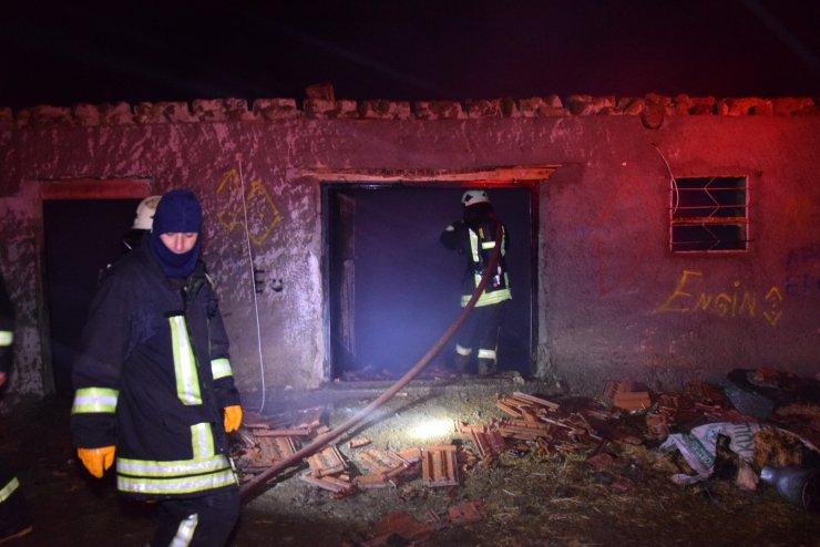 Konya'da ahır yangınında 240 hayvan telef oldu
