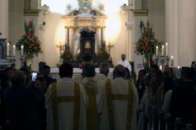Kolombiya'nın başkenti Bogota'da Noel ayini