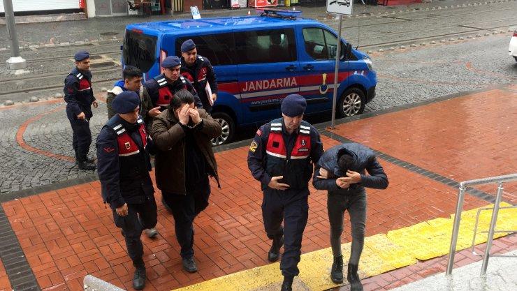 GÜNCELLEME - Kocaeli'de inşaattan hırsızlık yaptıkları iddiasıyla 3 şüpheli tutuklandı