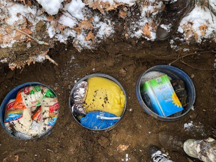 Bitlis'te terör örgütüne ait 1 ton gıda malzemesi ele geçirildi