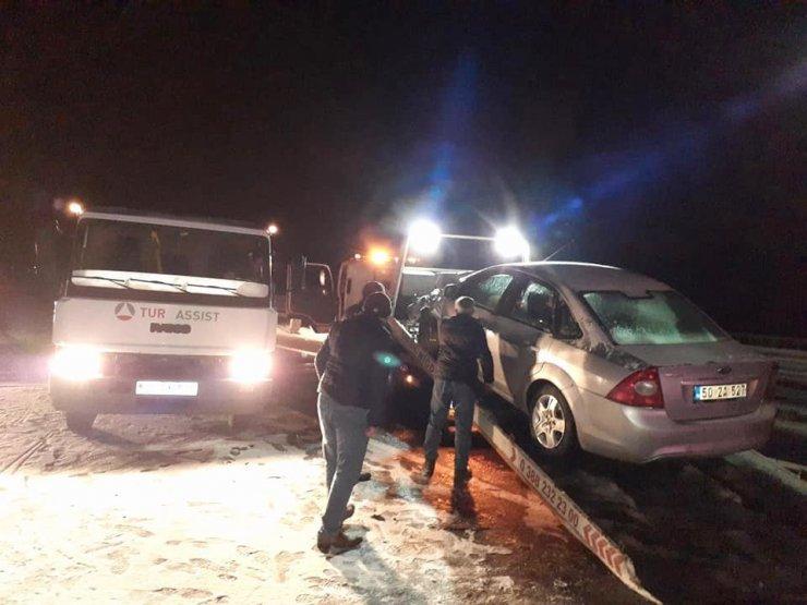 Niğde-Adana yolunda 3 ayrı zincirleme kaza: 2 ölü, 8 yaralı
