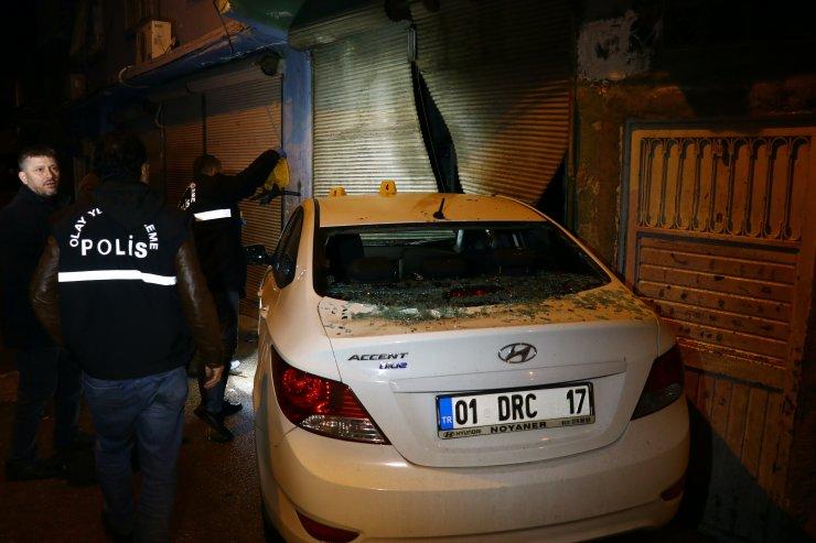 Otomobiliyle seyir halindeyken silahlı saldırıya uğrayan sürücü ağır yaralandı