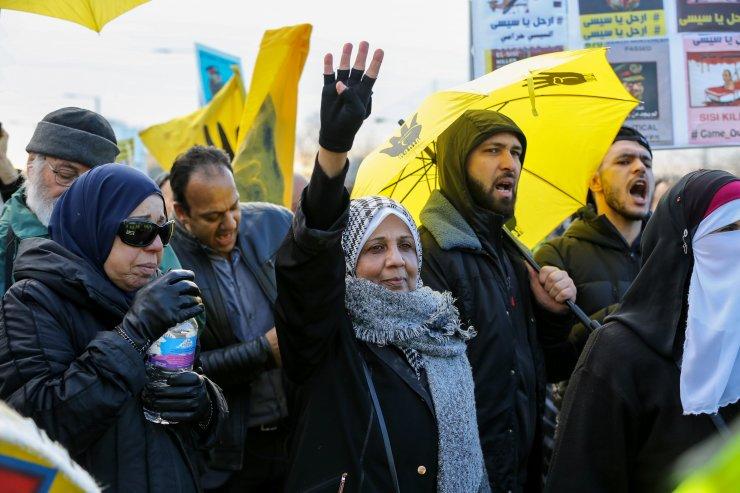Abdulfettah es-Sisi Londra'da protesto edildi