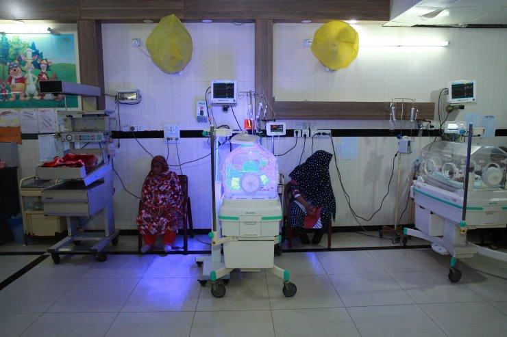 TİKA'dan Pakistan'daki hastanenin çocuk servisine modern tıbbi malzeme desteği
