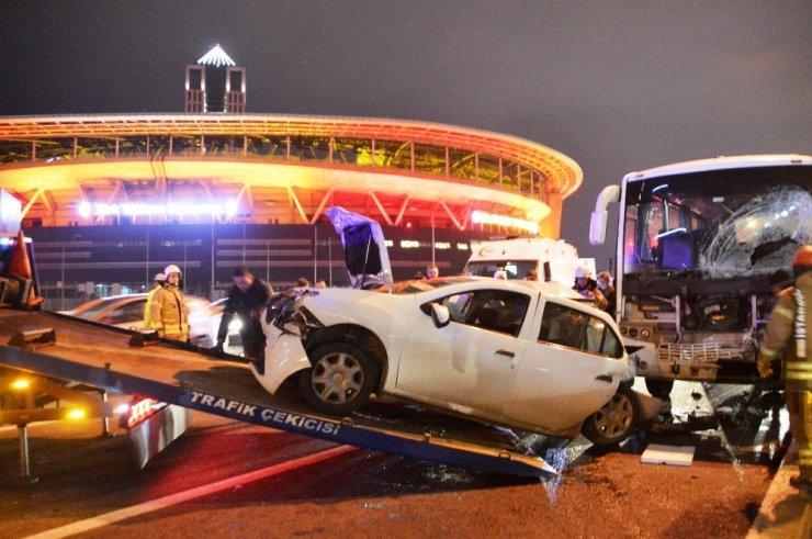 TEM Otoyolu'nda 6 aracın karıştığı zincirleme kaza: 10 yaralı