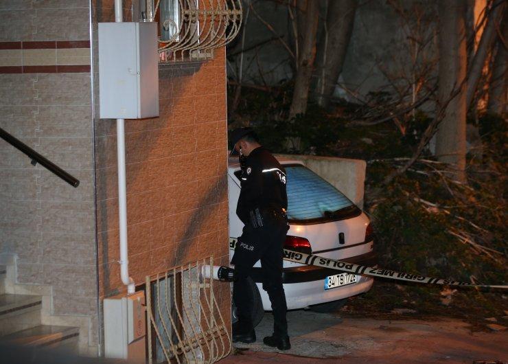 Beyoğlu'nda silahlı çatışmada 2 kişi yaralandı