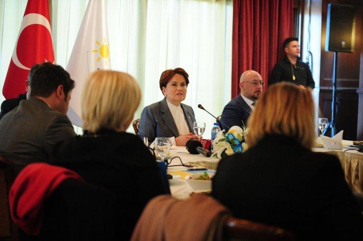 """İYİ Parti Genel Başkanı Akşener: """"Tiyatroya çağrılsaydım ben de, eşim de gitmezdi"""""""