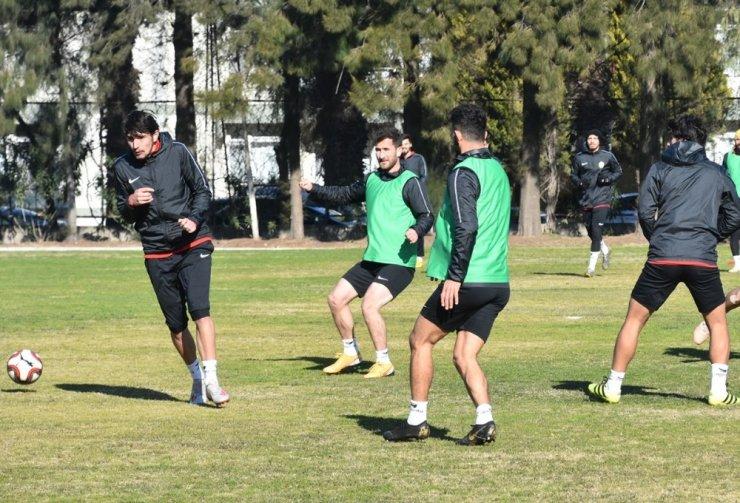 Aliağaspor FK, Ayvalıkgücü Belediye Spor'a konuk olacak