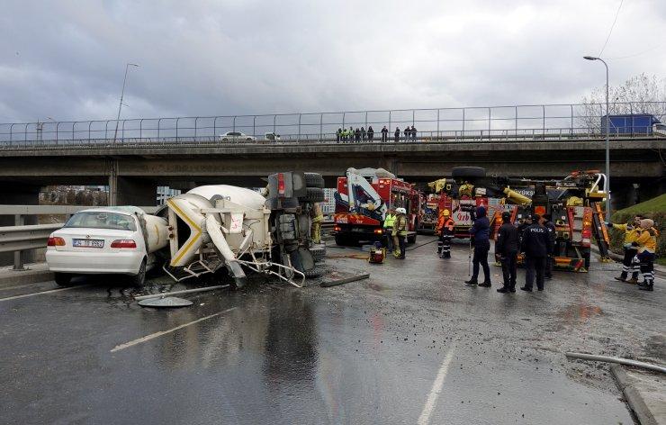 GÜNCELLEME 2 - Beton mikseriyle otomobil çarpıştı: 1 yaralı
