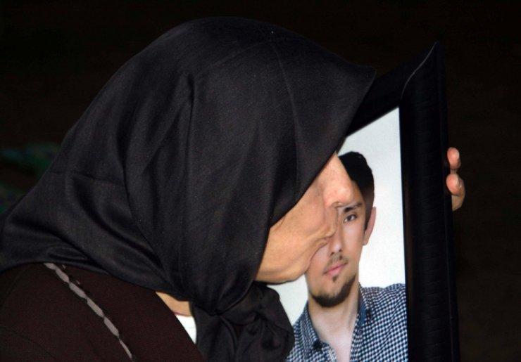 """Evladını kazada kaybeden acılı anne: """"Bizim ciğerimizi yaktı, başkaları yanmasın"""""""