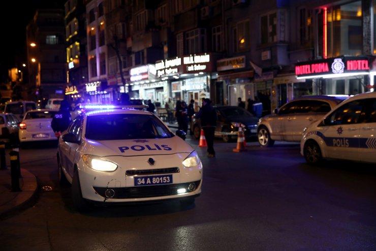 Fatih'te sürücü tartıştığı otopark görevlisini silahla yaraladı