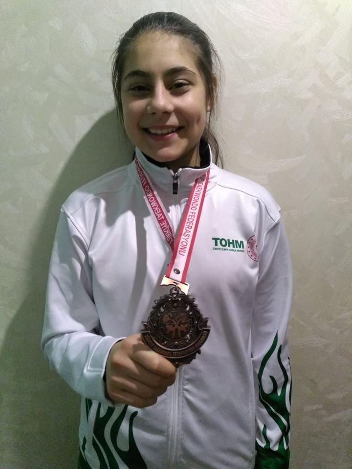 Fatma Arslan, Gençler Taekwondo Şampiyonası'nda Türkiye Üçüncüsü oldu
