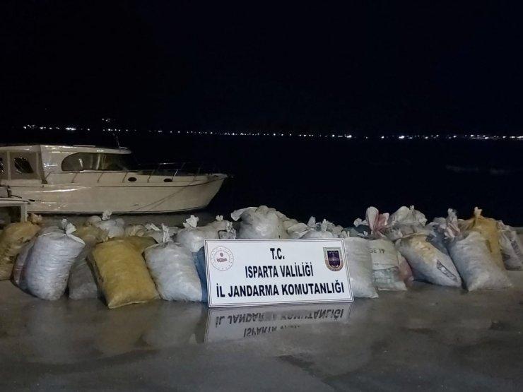 Isparta'daki kaçak 1 ton 250 kilogramlık kerevit avına 10 bin 788 lira ceza kesildi