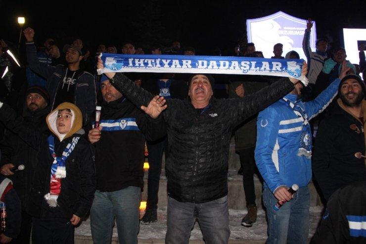Erzurumspor'un 52. kuruluş yıldönümü meşalelerle kutlandı