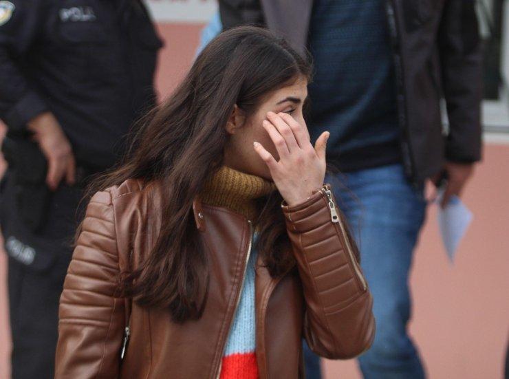 Antalya'da lise öğrencisine kapkaç şoku