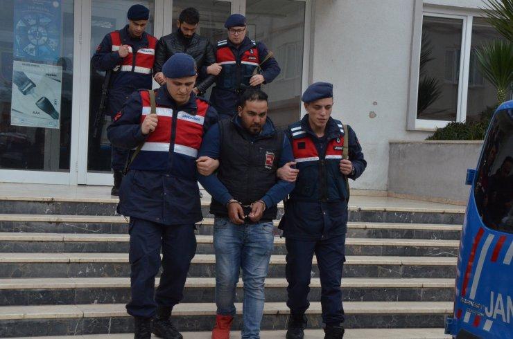 Antalya'da yağma ve şantaj iddiasıyla 2 şüpheli gözaltına alındı