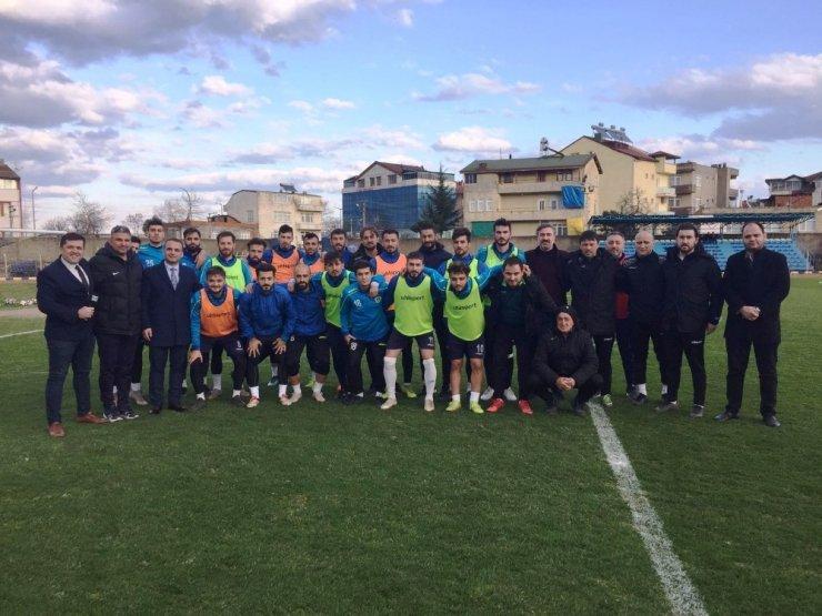 Başkan Kibar, futbolcuları tebrik etti