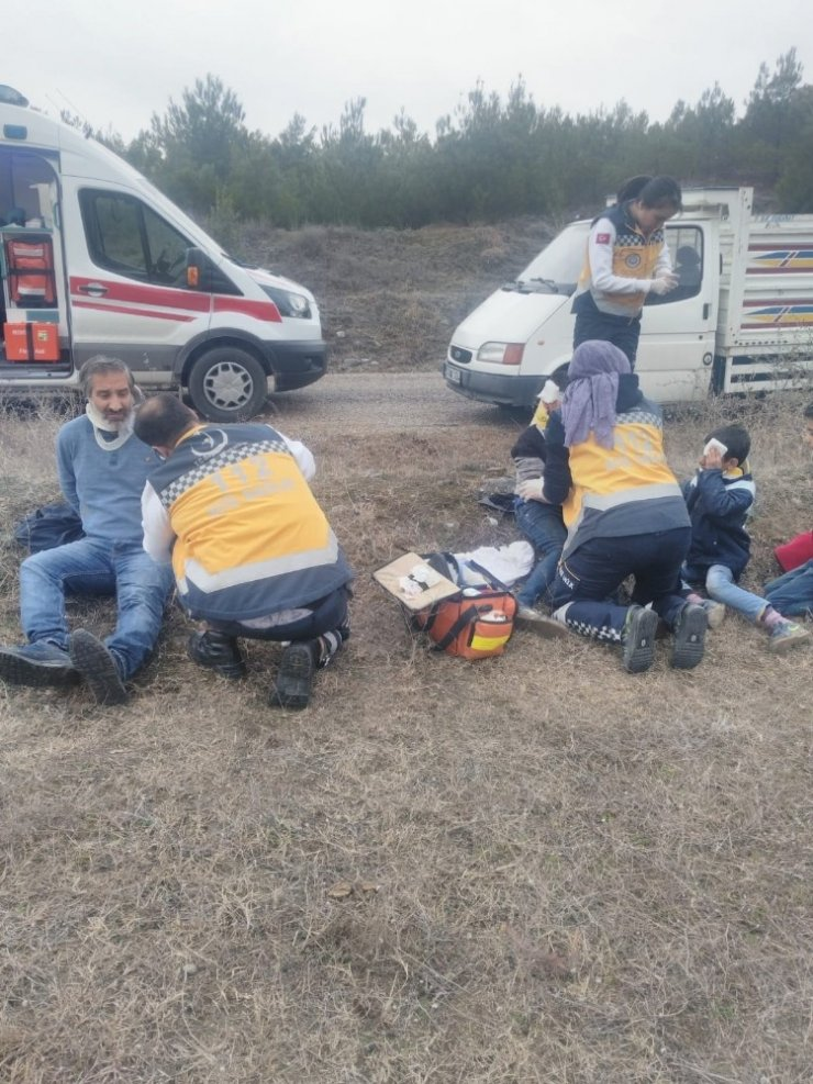 Boyabat'ta trafik kazası: 8 yaralı