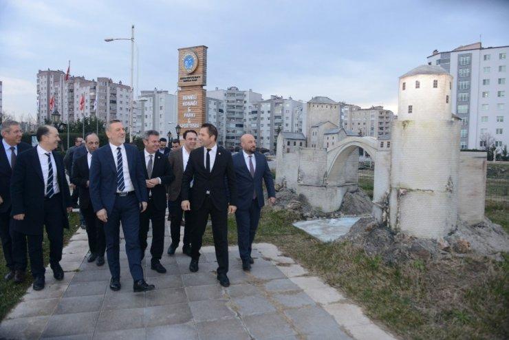 """Burkay: """"Bursa, en yüksek dış ticaret fazlası veren kent kimliğini koruyor"""""""