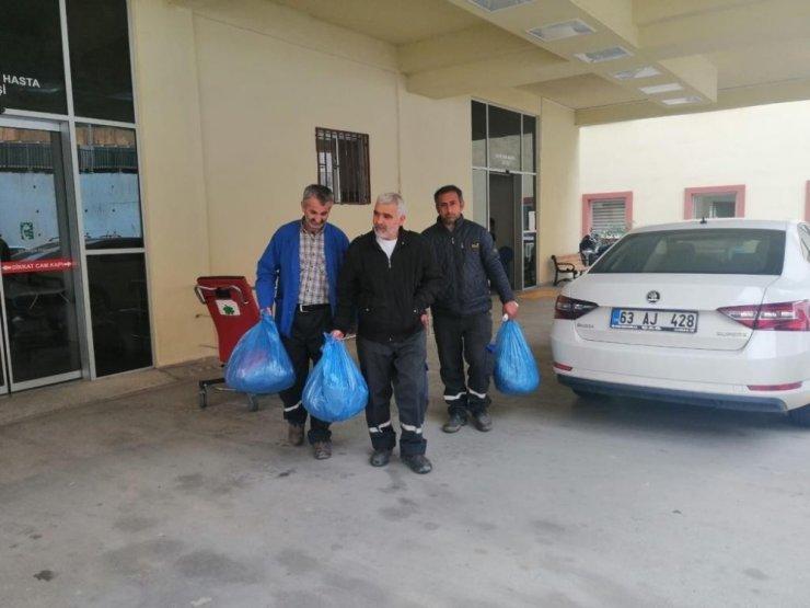 Çöp toplayan 3 işçi zehirlenme şüphesiyle hastaneye kaldırıldı