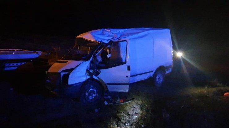 Tosya'da minibüs takla attı: 3 yaralı