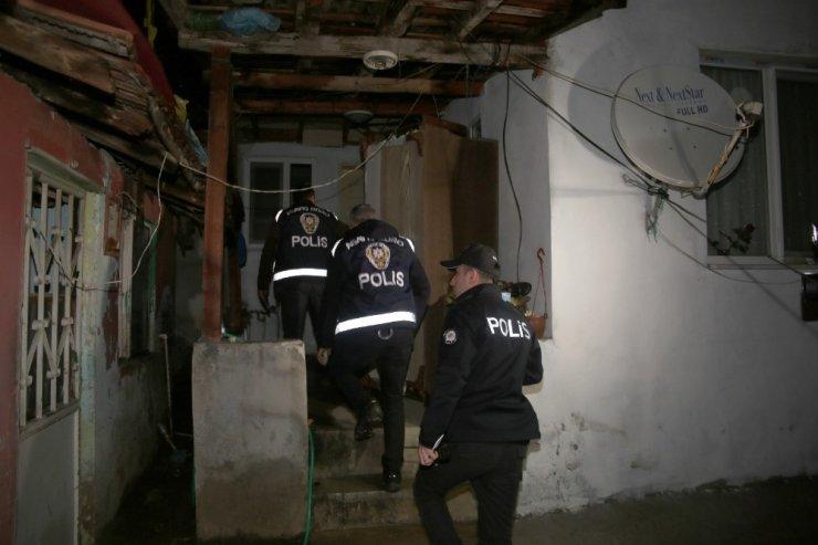 Kocaeli'de aranması olan 34 kişi operasyonla yakalandı