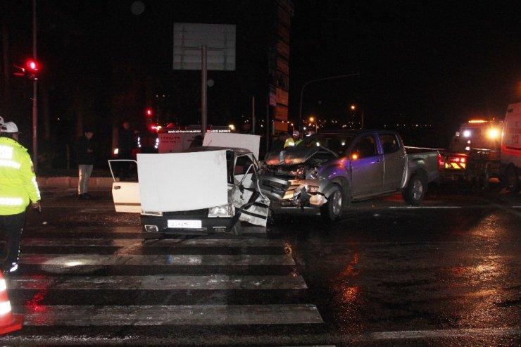 Mersin'de misafirlik dönüşü feci kaza: 1 ölü, 7 yaralı