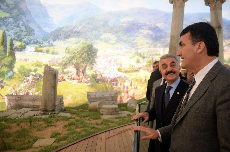 Büyükataman'dan Fetih Müzesi'ne övgü