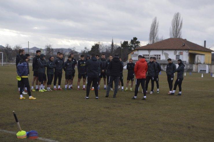 TKİ Tavşanlı Linyitspor, Yenişehir Belediyespor deplasmanına hazırlanıyor