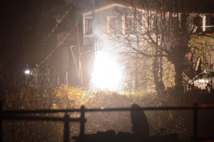 Sarıyer'de elektrik trafosu patladı, kablolar yandı