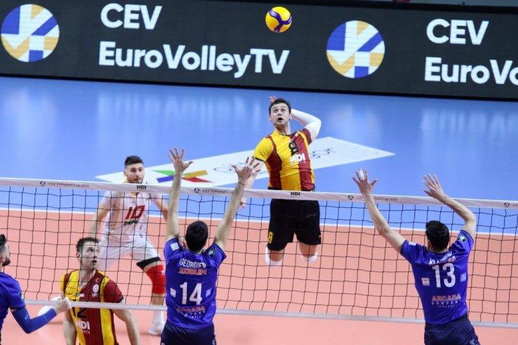 Türk takımları, voleybolda Avrupa kupalarında sahaya çıktı