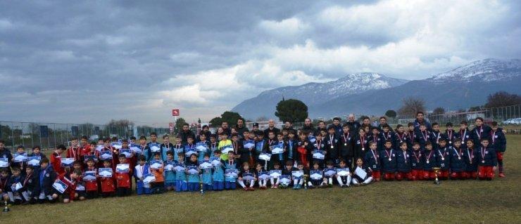 Yunusemre 4. Geleneksel Minikler Futbol Turnuvası sona erdi