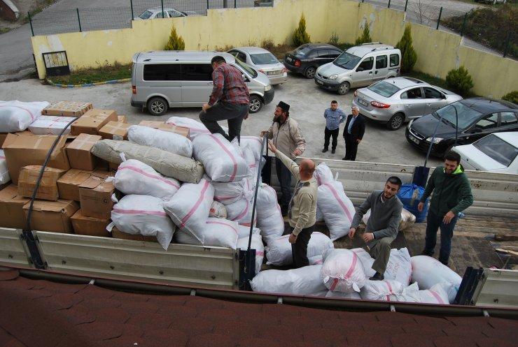 Zonguldak'tan İdlib'e bir tır yardım malzemesi gönderildi
