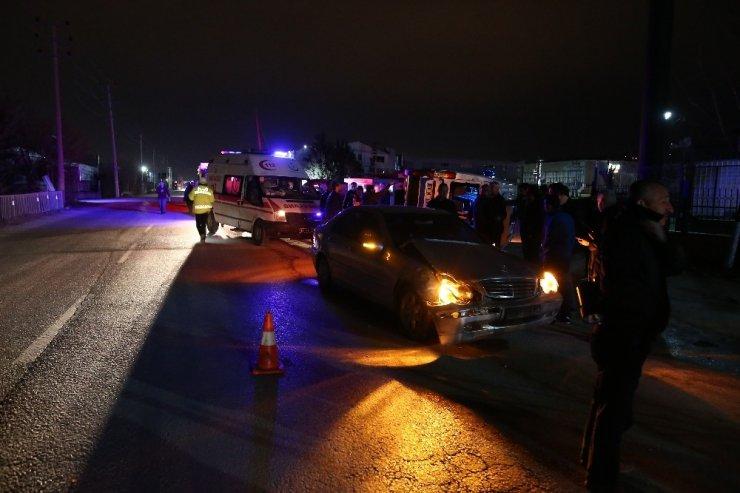 Bursa'da yolcu minibüsü yan yattı, 23 kişi ölümden döndü