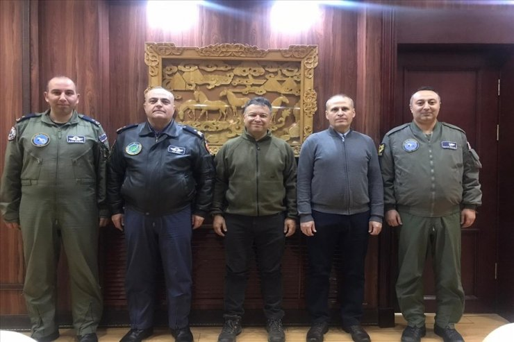 """Moğolistan'dan yakıt alan """"Uçan Kale"""" Vuhan'a gidiyor"""