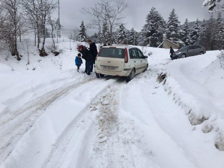 Karabük'te kar yağışı etkili oluyor