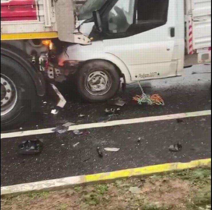 Mardin'de 15 araç birbirine girdi: 5 yaralı