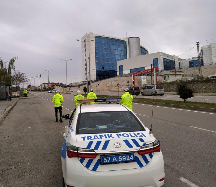 Sinop'ta sadece tek noktada bulunan trafik ışığını bir yılda 22 sürücü ihlal etti