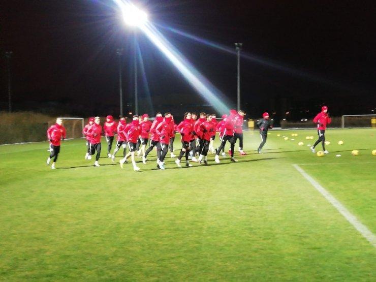 Kayserispor'da Galatasaray mesaisi sürüyor