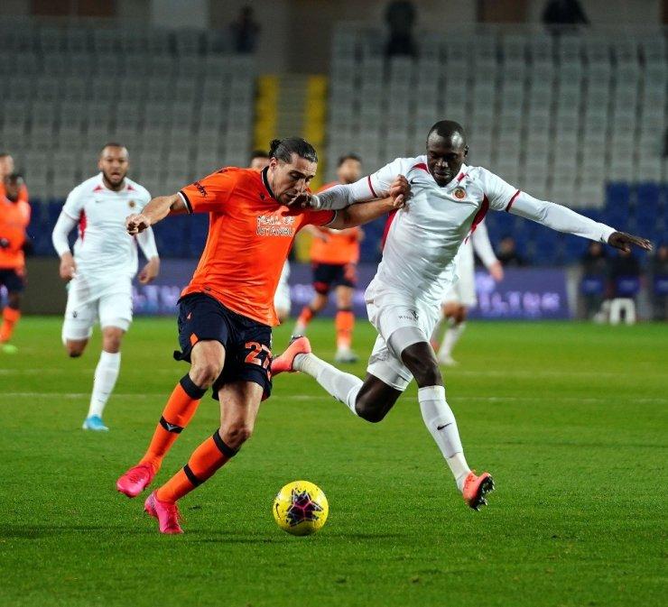 Süper Lig: Medipol Başakşehir: 3 - Gençlerbirliği: 1 (Maç sonucu)