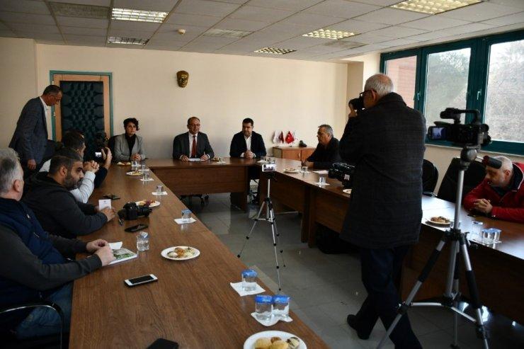Başkan Akın gazetecilerle buluştu