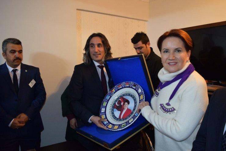 """İYİ Parti Genel Başkanı Meral Akşener: """"Yeni siyaset tarzı belirledik"""""""