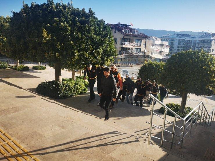 Villa soyguncuları tutuklandı