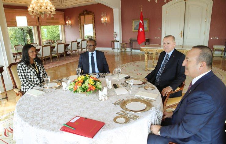Cumhurbaşkanı Erdoğan, Gine Bissau Seçilmiş Cumhurbaşkanı Embalo'yla bir araya geldi