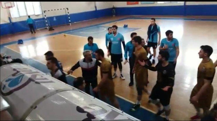 Alanya'da voleybol maçında gerginlik