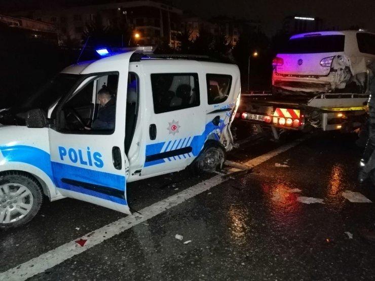 D-100 Karayolunda trafik kazası; ikisi polis dört kişi yaralandı