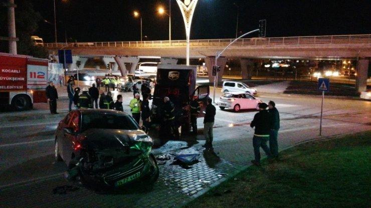 Gebze'de zincirleme trafik kazası: 3 yaralı