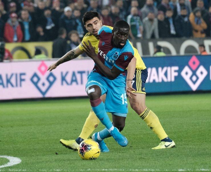 Süper Lig: Trabzonspor: 2 - Fenerbahçe: 1 (İlk yarı)