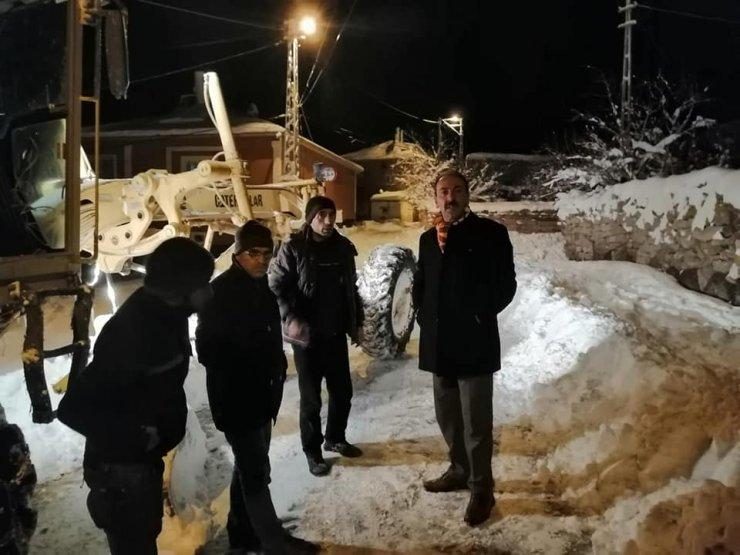Tomarza Belediyesinin karla mücadele çalışması