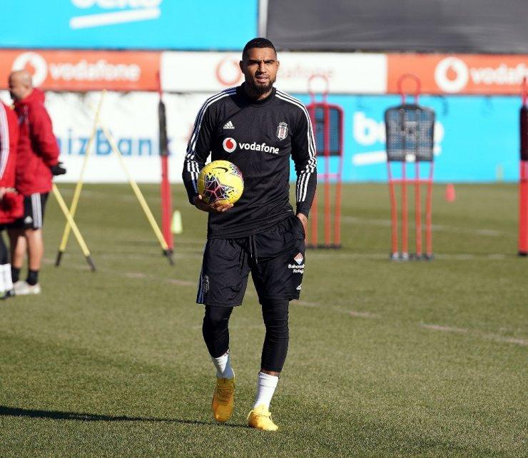 Beşiktaş'ta Boateng sahaya çıktı